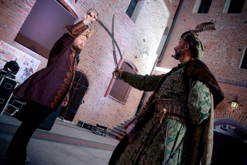 Nauka fechtunku na zamku w Gniewie