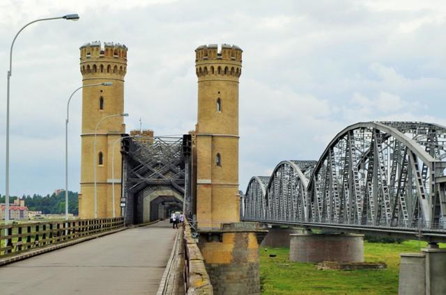 Mosty - drogowy i kolejowy w Tczewie. Wycieczki rowerowe – Hit The Road Travel