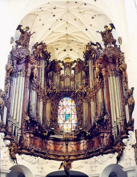 Organy w Archikatedrze Oliwskiej. Wycieczki pomorskim szlakiem pielgrzymek do Santiago De Compostela – Hit The Road Travel