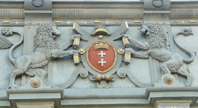 Herb Gdańska na Bramie Wyżynnej - fasada zachodnia. Wycieczki historyczne – Hit The Road Travel