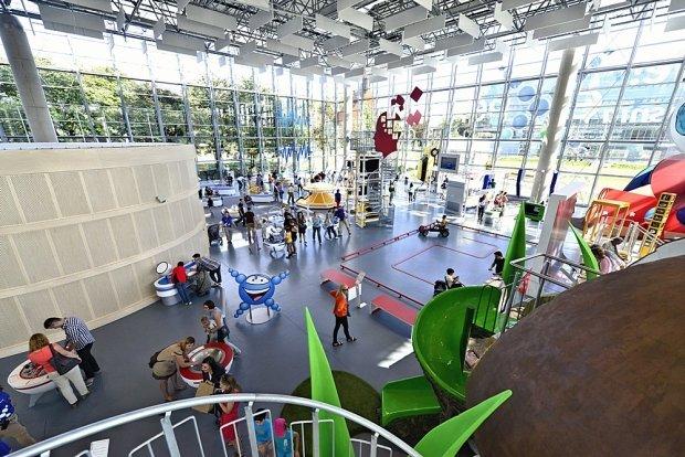 Centrum Nauki Experyment w Gdyni. Wycieczki szkolne – Hit The Road Travel