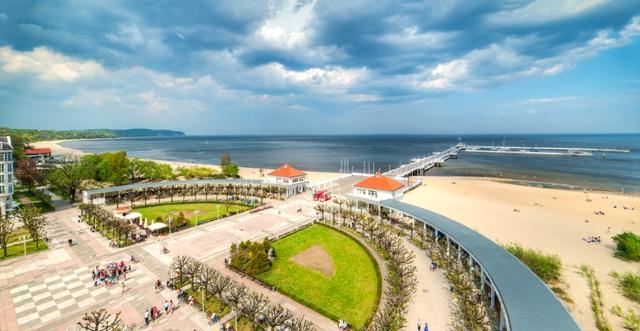 Skwer Kuracyjny i molo w Sopocie. Wycieczka do Gdańska, Sopotu, Gdyni, Malborka – Hit The Road Travel