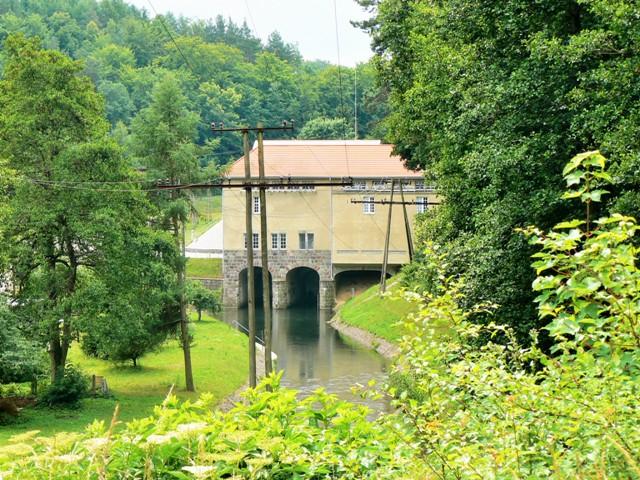 Elektrownia wodna wRutkach. Najlepsze wycieczki zHit The Road Travel