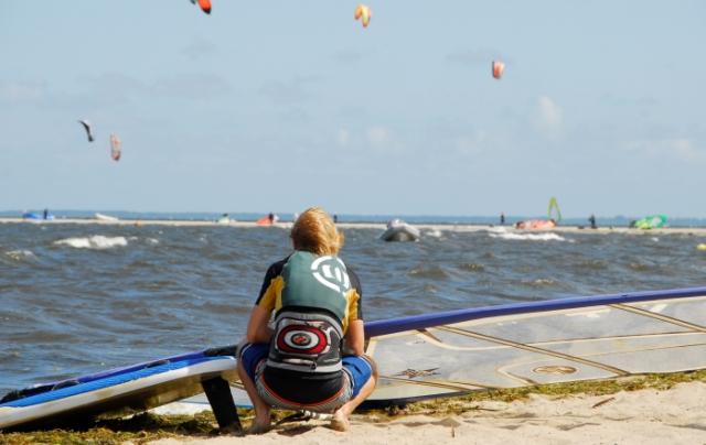 Kite- iwindsurfing naZatoce Puckiej. Wycieczka naKaszuby – Hit The Road Travel