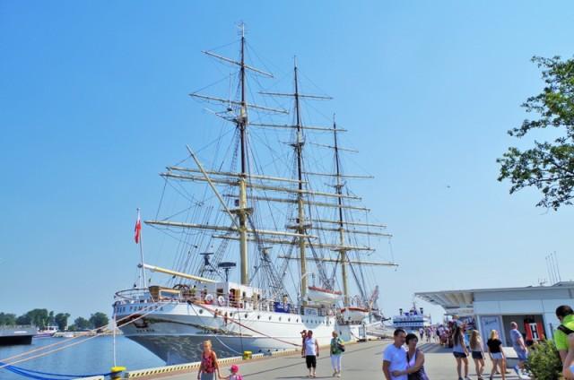 Fregata Dar Pomorza, Gdynia. Wycieczki szkolne – Hit The Road Travel