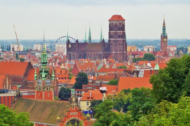 Gdańsk - widok na Główne Miasto. Wycieczki pomorskim szlakiem pielgrzymek do Santiago De Compostela – Hit The Road Travel