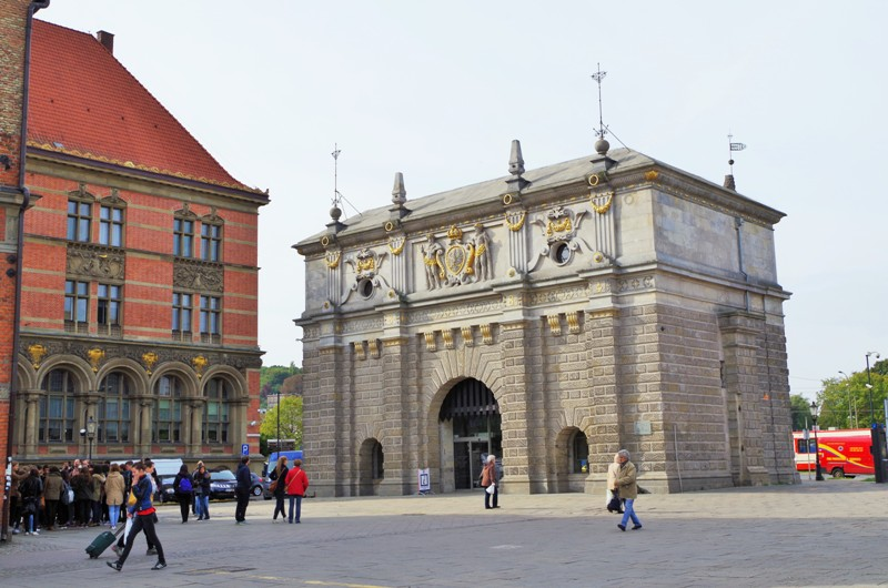Brama Wyżynna w Gdańsku. Wycieczki historyczne – Hit The Road Travel