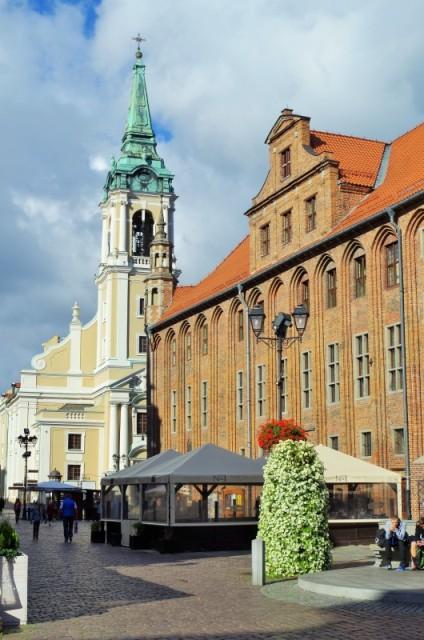 Toruń - Rynek Staromiejski. Wycieczka objazdowa – Hit The Road Travel