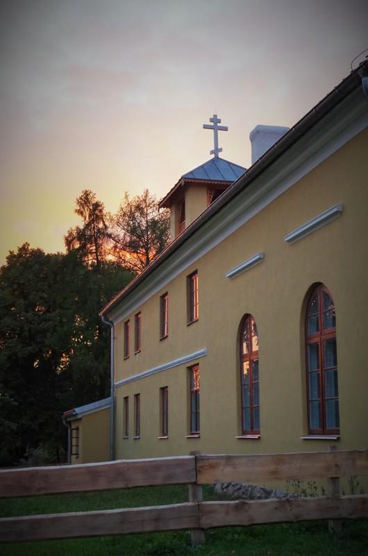 Klasztor Starowierców w Wojnowie. Wycieczka na Mazury – Hit The Road Travel