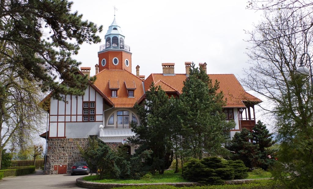 Willa Marszałka w Sopocie. Wycieczka do Gdańska, Sopotu, Gdyni, Malborka – Hit The Road Travel