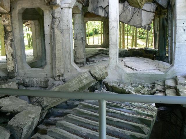 Ruiny nowych koszar naWesterplatte. Wycieczki historyczne – Hit The Road Travel