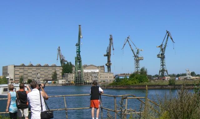 Stocznia Gdańska, nad Martwą Wisłą. Wycieczka Gdańsk – Hit The Road Travel