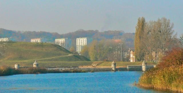 Opływ Motławy i fortyfikacje ziemne w Gdańsku. Wycieczka do Gdańska, Sopotu, Gdyni, Malborka – Hit The Road Travel