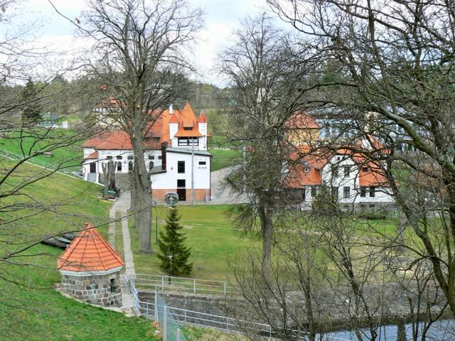 Elektrownia Wodna Straszyn. Najlepsze wycieczki z Hit The Road Travel