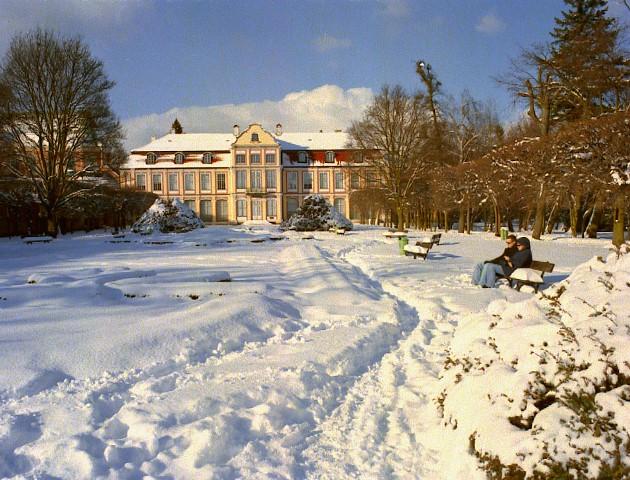Pałac Opatów iPark Oliwski zimą. Zwiedzanie Gdańska zprzewodnikiem – Hit The Road Travel