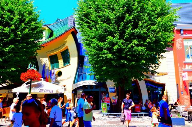 Monte Cassino iKrzywy Domek wSopocie. Wycieczki doSopotu – Hit The Road Travel