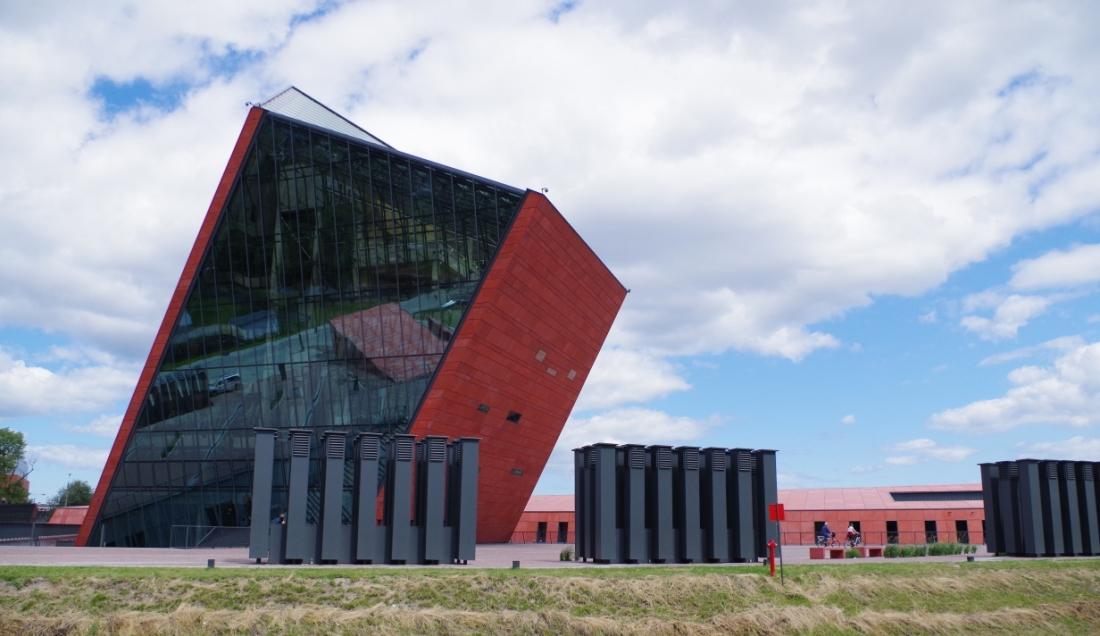 Muzeum II Wojny Światowej w Gdańsku – Hit The Road Travel