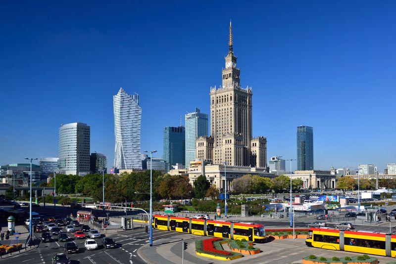 Centrum Warszawy z Pałacem Kultury i Nauki. Wycieczka do Warszawy – Hit The Road Travel
