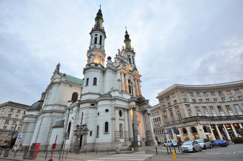 Plac Zbawiciela w Warszawie. Wycieczki do Warszawy - Hit The Road Travel