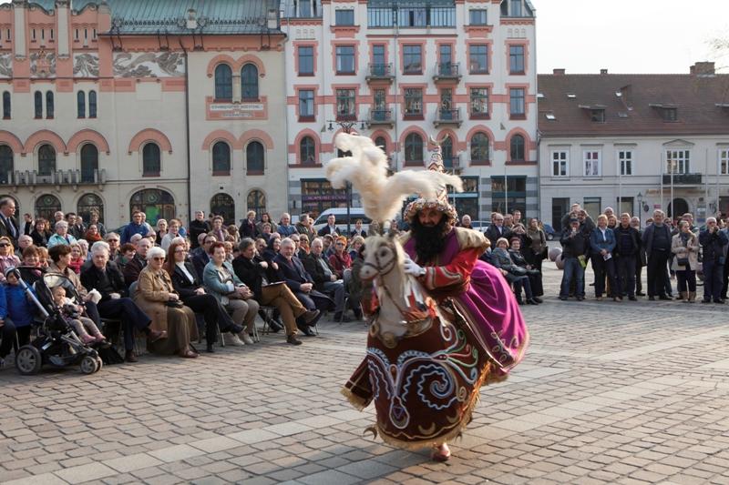 Krakowski Lajkonik - Wycieczka doKrakowa - Hit The Road Travel