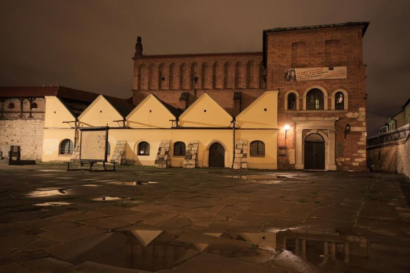 Stara Synagoga naKazimierzu. Wycieczka doKrakowa - Hit The Road Travel